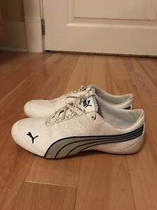 Womens sneakers size 7