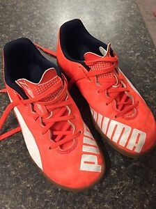 Kind Indoor Soccer Shoes size 1 Edmonton Edmonton Area image 2