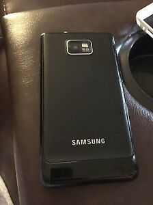 Unlocked Samsung S2 with Cases