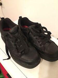 Men's non-slip shoes. Size 9