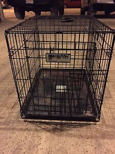 Medium size dog kennel/crate with divider