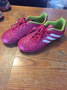 Girls adidas size 4 soccer cleats