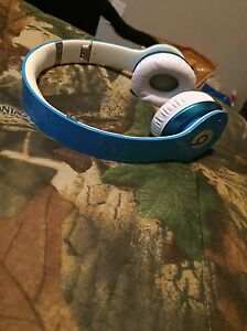 Light Blue Beats Solo HD Headphones