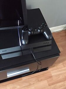 Ps4 in good condition like new 500gb