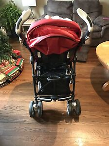 Pegperego baby car seat stroller and car base  Sarnia Sarnia Area image 4