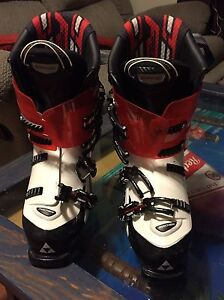 ski boots sz 9