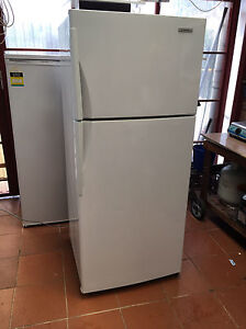 Westinghouse 420 L frost free fridge freezer 2 YEARS OLD! Bexley Rockdale Area Preview