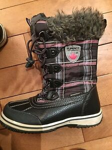 Super fit Youth Winter Boots Size 3