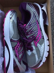 Women Saucony Running shoes- NEW - size 9.5 Peterborough Peterborough Area image 1