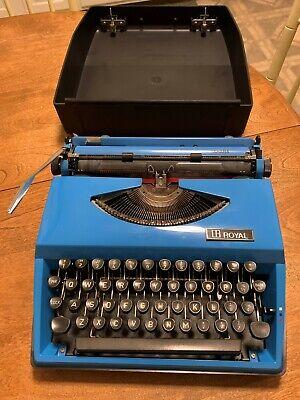 vintage Royal typewriter Sahara Made in Holland