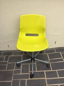 Lime green office chair Edensor Park Fairfield Area Preview