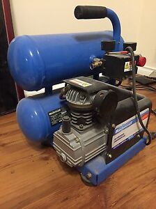 4 Gallon Twin Stacked air compressor