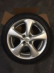 Low profile tires with alloy wheels 205/45R16 Gatineau Ottawa / Gatineau Area image 1