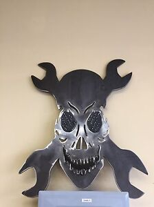 Shop - Man cave - skull with wrenches