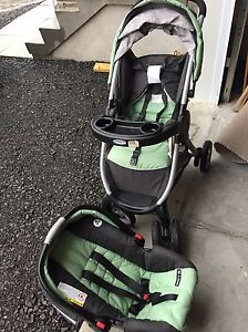 Baby car seat and stroller (Graco set)