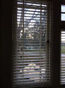 """White faux wood blinds, 22"""", 23"""", 26"""", 27"""", 46"""" Cambridge Kitchener Area image 2"""