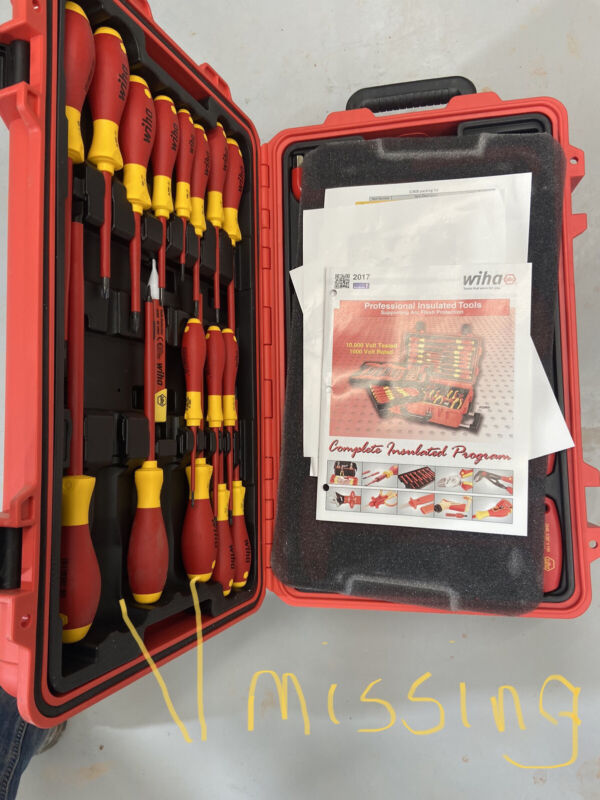Wiha 32800 Insulated 80 Piece Set In Rolling Tool Case missing 2 screwdrivers