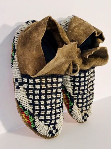 SIOUX SINEW SEWN BEADED HIDE CHILD'S MOCCASINS,GEOMETRIC DESIGN,C1890,EXCELLENT