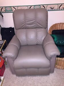 2 Lazboy Recliners, Mint Condition , Leather