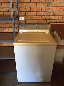 Admiral 6kg washing machine. Sawtell Coffs Harbour City Preview