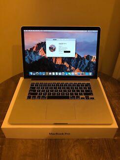 MacBook Pro 15in i7 16Gb 1TB SSD Win 10 bootcamp