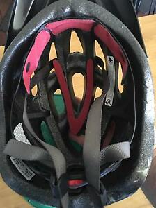 Bike helmets Karabar Queanbeyan Area Preview