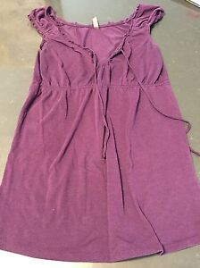 Maternity clothes size small London Ontario image 9