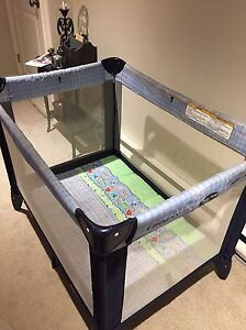 Graco Easy Fold  Play Pen