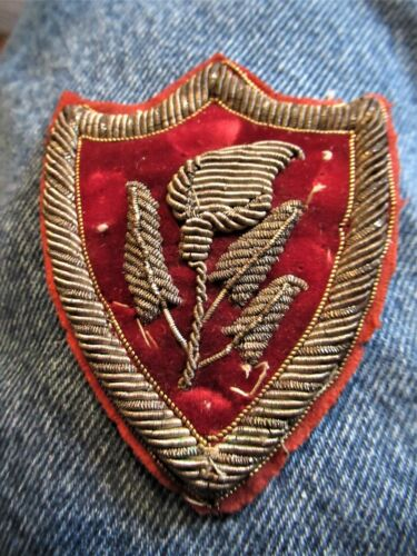 Beautiful Late 19th Century Knights Templar Velvet/Embroidered 3 Dimension Patch