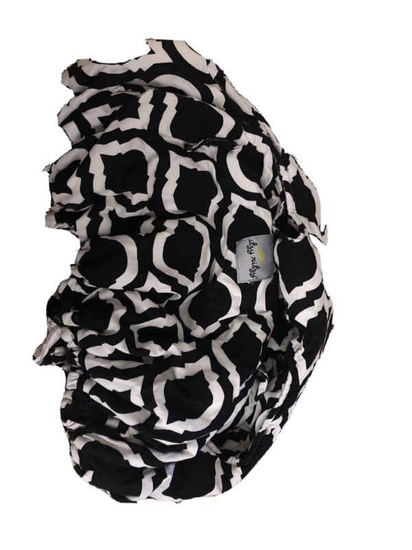 Itzy Ritzy Ritzy Sitzy Shopping Cart & High Chair Cover Black and White W/ Bag