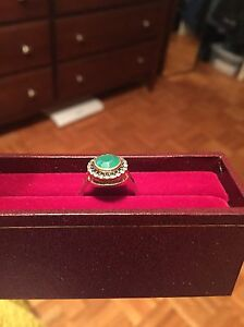 Stella & Dot emerald green and gold ring