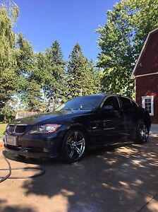 2006 BMW 325i E90 body-style  (Mint condition)
