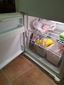 LG fridge  Stratford Kitchener Area image 3