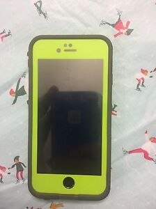 MINT iPhone 6 and 2 lifeproof cases