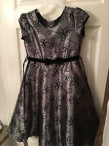 Girls Size 6 Black and Silver Party Dress Peterborough Peterborough Area image 1