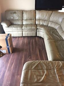 Sectional buy or sell a couch or futon in red deer for Sectional sofas for sale red deer