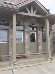 3 bedroom townhouse, fantastic location London Ontario image 1