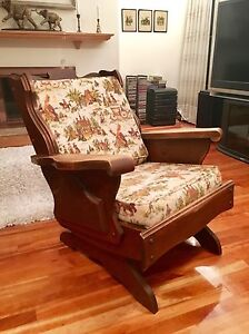 Solid wood rocking chair  West Island Greater Montréal image 1