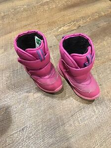 8M cougar kids winter boots Prince George British Columbia image 2
