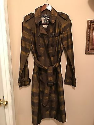 100% Authentic Burberry Coat. Great Condition. Size 4
