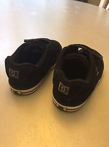 Toddler Boys DC shoes - size 8