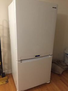 Samsung refrigerator with bottom freezer