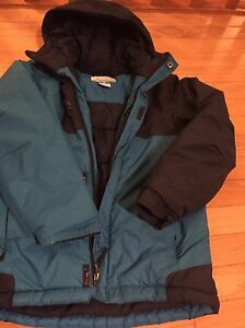 Columbia boy jacket, size S