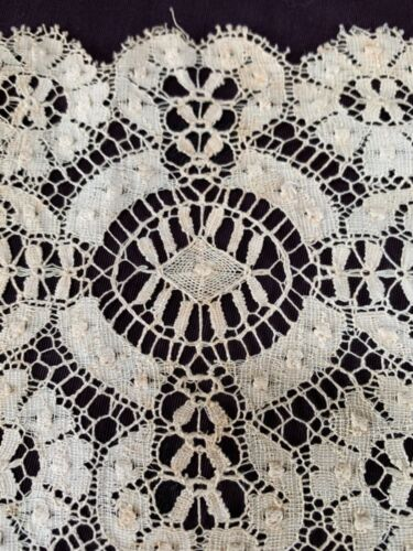 """antique lace runner ecru linen needle lace look 33x13.5""""  lovely repeat pattern"""