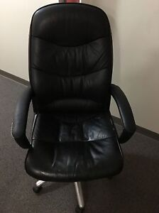 Office swivel chair Edmonton Edmonton Area image 1