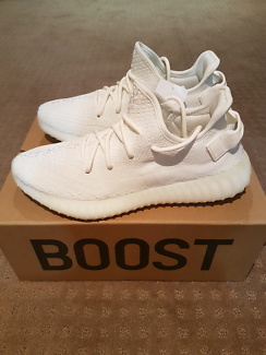 ❌SOLD❌Adidas Yeezy Boost 350 v2 Cream White Southbank Melbourne City Preview