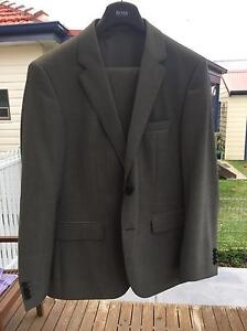 Hugo Boss suit - The James3/Sharp5 - 40S - New Hamilton North Newcastle Area Preview