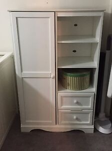Cabinet in good condition - $20 if pickup today