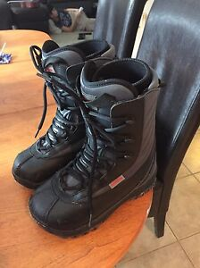 SOLD! Size 5 snowboard boots