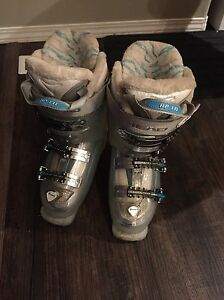 Womans Head Dream Ski Boots, size 22-22.5